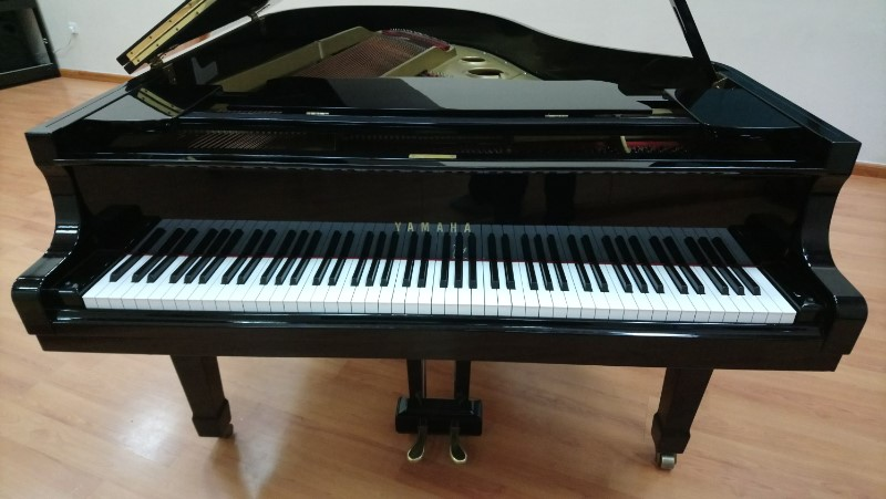 Picture of 'Yamaha Grand Piano G3E Serial Number E3940780'